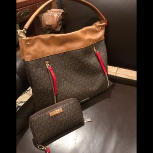 Michael Kors  purse in excellent condition